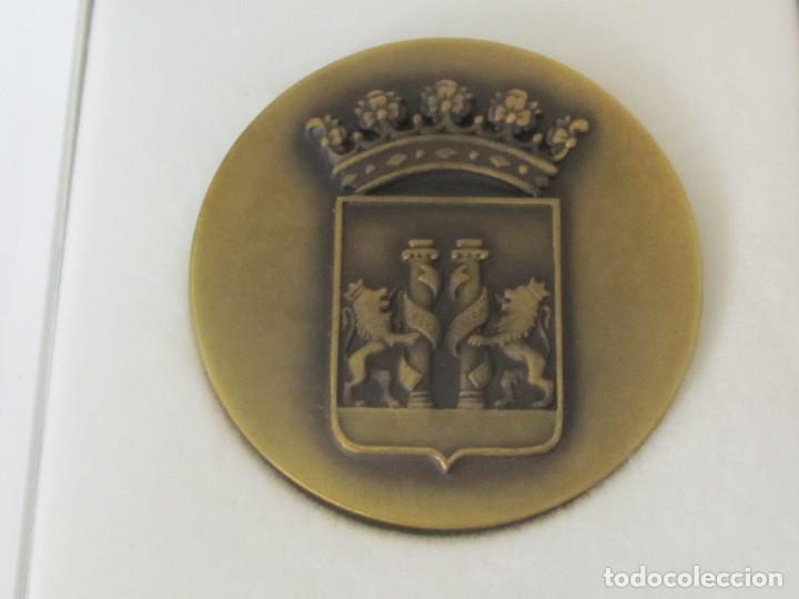 Medallas temáticas: MEDALLA DE BRONCE - VII CONGRESO COMUNIDAD DE REGANTES, BADAJOZ 1991 - Foto 2 - 97131383