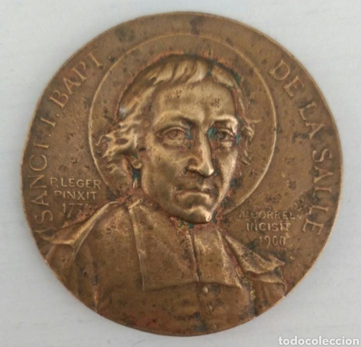 MEDALLA FIRMADA POR A. BORREL DE SANCT. I. BAPT.DE LA SALLE. DIEZ PATRIA FAMILLE DE BRONCE (Numismática - Medallería - Temática)
