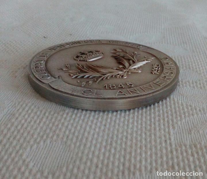 Medallas temáticas: MEDALLA DEL CUERPO DE VETERINARIA MILITAR - 150 ANIVERSARIO 1845 / 1995. - Foto 3 - 104258707