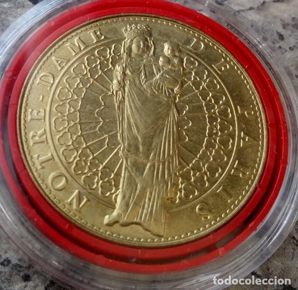 CURIOSA MONEDA MEDALLA CONMEMORATIVA DE LA CATEDRAL DE NOTRE DAME EN PARIS (Numismática - Medallería - Temática)