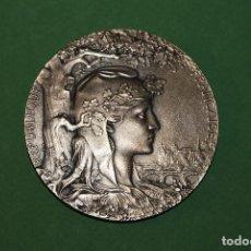 Medallas temáticas: MEDALLA DE BRONCE - EXPOSICIÓN UNIVERSAL DE PARÍS 1900 - REPÚBLICA FRANCESA - J. C. CHAPLAIN. Lote 107409183