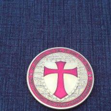 Medallas temáticas: MONEDA DORADA CABALLEROS TEMPLARIOS. Lote 108415899