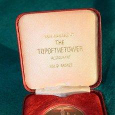 Medallas temáticas: MEDALLA DE BRONCE TOPOFTHETOWER RESTAURANT. Lote 109138887
