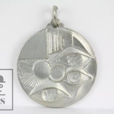 Medallas temáticas: MEDALLA ESTILO FUTURISTA - QUE TINGUIS AMOR... SALUT I FEINA! - DIÁMETRO 35 MM. Lote 109750667