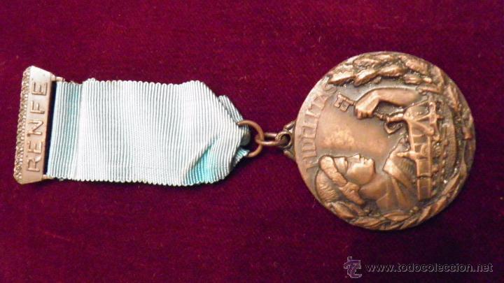 Medallas temáticas: RENFE.FIDELITAS.PREMIO A LA FIDELIDAD,RED FERROCARRILES ESPAÑOLES - Foto 2 - 51348773