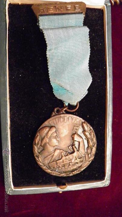 RENFE.FIDELITAS.PREMIO A LA FIDELIDAD,RED FERROCARRILES ESPAÑOLES (Numismática - Medallería - Temática)