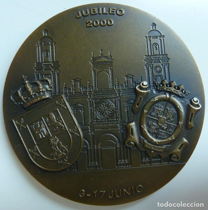 Medallas temáticas: MEDALLA DE BRONCE. VISITA DE LA VIRGEN DEL PINO A SANTA ANA. JUBILEO 2000. DIÁMETRO 7 CM - Foto 2 - 112956667