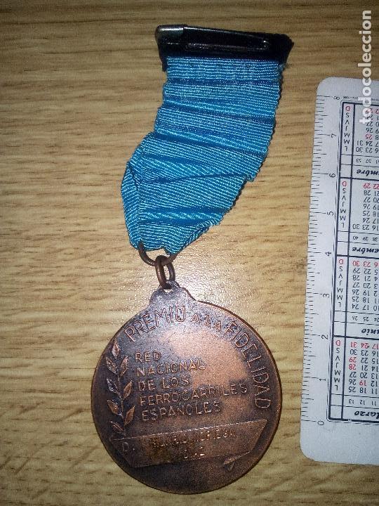 Medallas temáticas: RENFE.FIDELITAS.PREMIO A LA FIDELIDAD,RED FERROCARRILES ESPAÑOLES - Foto 2 - 113103499