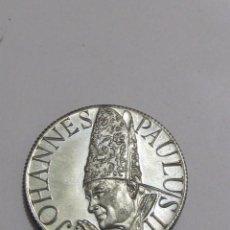 Medallas temáticas: MONEDA CONMEMORATIVA DE JUAN PABLO II (1983). Lote 120119839