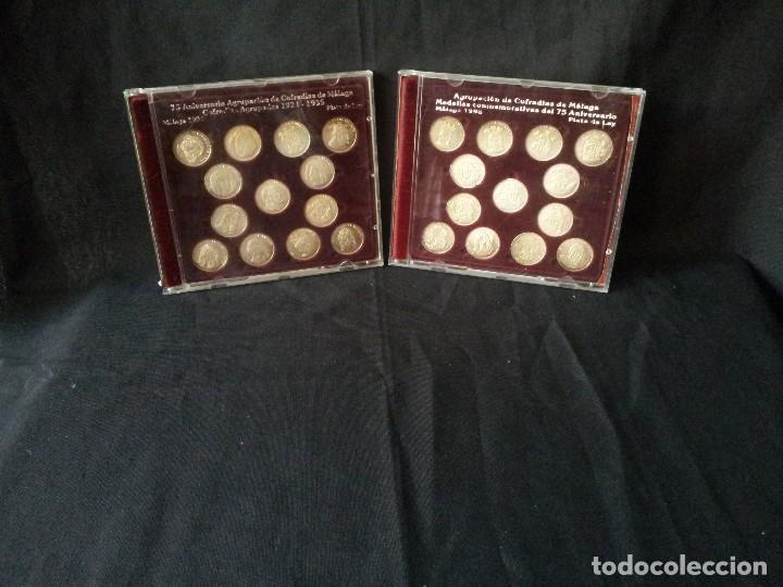 2 ESTUCHES CON 26 MEDALLAS, AGRUPACION DE COFRADIAS FUNDADORAS Y AGRUPADAS DE MALAGA (Numismática - Medallería - Temática)