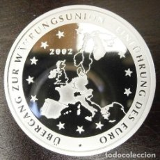 Medallas temáticas: BONITA MONEDA CON PLATA PURA CONMEMORANDO LA UNIFCACION DEL MARCO Y EURO EN ALEMANIA EN 2002. Lote 120906007