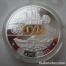 Medallas temáticas: BONITA MONEDA PLATA CONMEMORANDO LA ENTRADA DEL EURO A ESTONIA 1 ENERO 2011. Lote 127825423