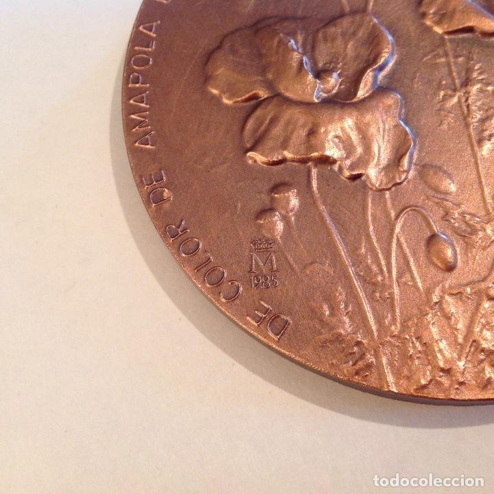 Medallas temáticas: Medalla de bronce de la FNMT, 1985, de 8 cms. A Miguel Hernández, firmado con anagrama y 84 - Foto 4 - 136402270