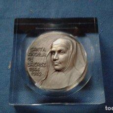 Medallas temáticas: MEDALLA SANTA ANGELA D LA CRUZ - HERMANAS D LA COMPAÑIA D LA CRUZ - CANONIZADA EN MADRID 04/05/2003. Lote 134139630