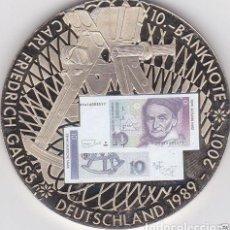 Medallas temáticas: BONITA MONEDA PLATA CON LA IMAGEN DE UN BILLETE DE 10 DM CON FRIEDRICH GAUSS DE ALEMANIA. Lote 137595762