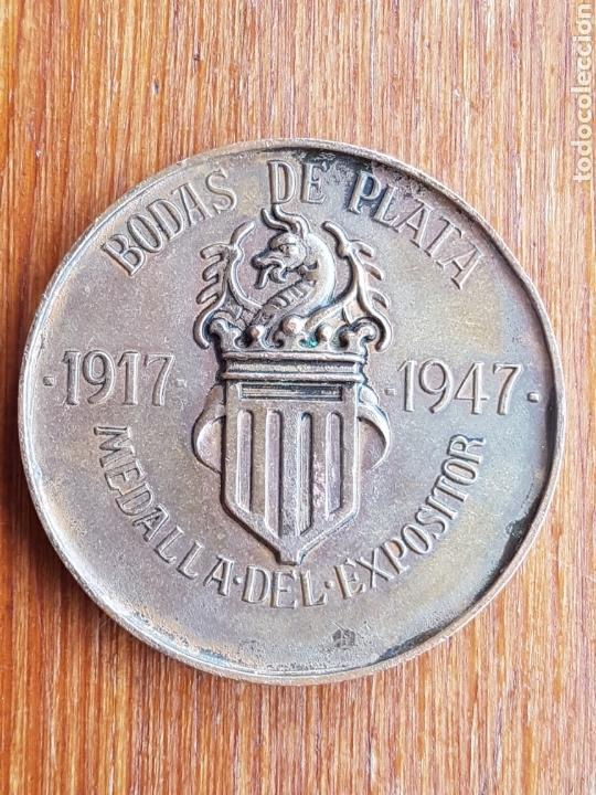 Medallas temáticas: Medalla años 40 de XXV Feria Muestrario Internacional Valencia 1917 - 1947 Bodas de plata - Foto 2 - 137911437