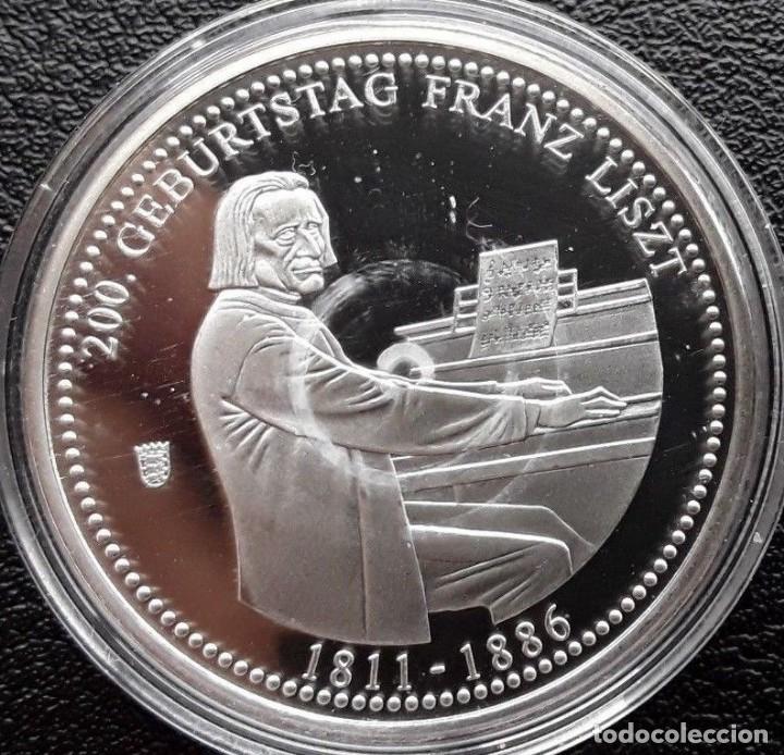 BONITA MONEDA PLATA CONMEMORATIVA AL 200 CUMPLEAÑOS DEL COMPOSITOR AUSTRO HUNGARO FRANZ LISZT (Numismática - Medallería - Temática)