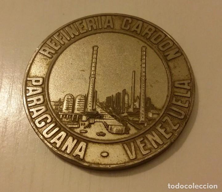 Medallas temáticas: MEDALLA DE LA REFINERÍA DE PETRÓLEO DE CARDÓN EN PARAGUANÁ. VENEZUELA. MARAVEN 1976 - Foto 4 - 140605138
