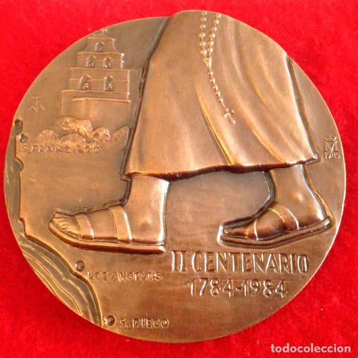 Medallas temáticas: Medalla de bronce, Fray Junípero Serra, de 85 mm de diámetro, firmada en anagrama TFM, nueva. - Foto 2 - 142689534