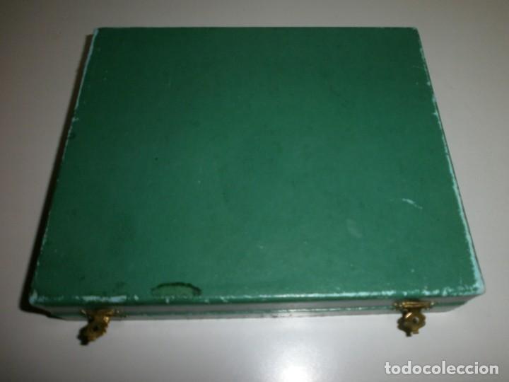 Medallas temáticas: medalla renfe premio a la fidelidad bronce placa medalla y miniatura en su caja original año 1968 - Foto 9 - 145260742