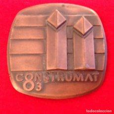 Medallas temáticas: MEDALLA CONSTRUMAT 83, SALÓN INTERNACIONAL DE LA CONSTRUCCIÓN, FERIA DE BARCELONA, 65X65 MM.. Lote 146757322