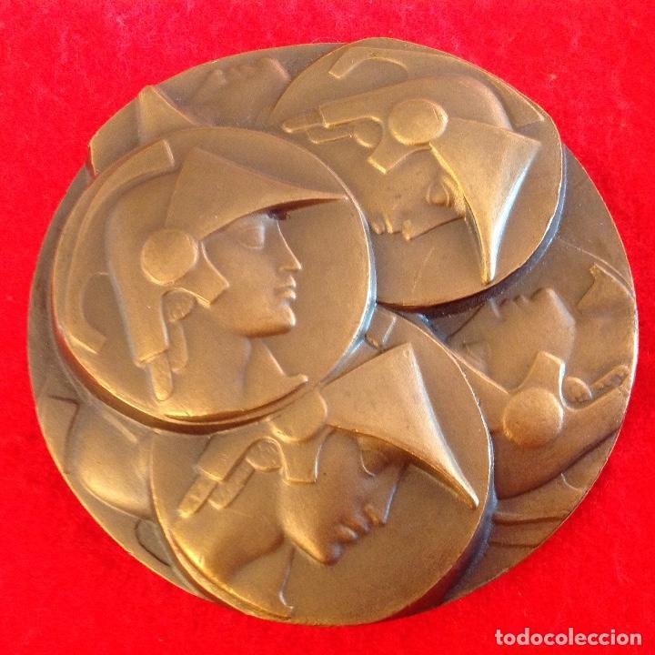 Medallas temáticas: Medalla de 8 cm. de la FNMT, SEAM, Sociedad española de amigos de la medalla, firmada Fernando Juan - Foto 2 - 147190490