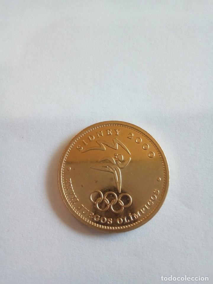 MEDALLA DE SIDNEY 2000 BAÑADA EN ORO (Numismática - Medallería - Temática)
