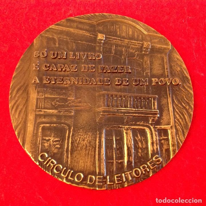 Medallas temáticas: Medalla a José María de Eça de Queiroz 1845-1900, firmada: Cabral Antunes, 8 cm de diametro. - Foto 3 - 151524110