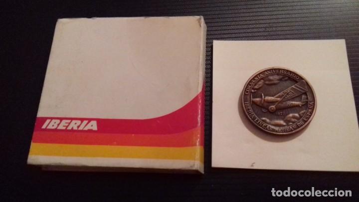Medallas temáticas: Medalla - moneda Compañía IBERIA 50 Aniversario 1927 - 1977, 28 Junio 1978, en su estuche original - Foto 5 - 151662918