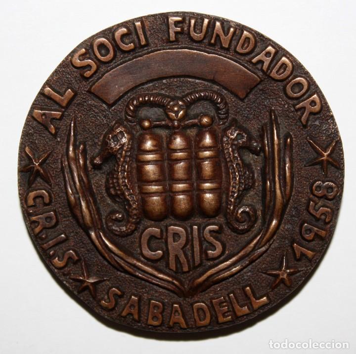 Medallas temáticas: MEDALLA EN BRONCE AL SOCI FUNDADOR CRIS SABADELL. AÑO 1958 - Foto 2 - 151900718