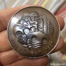 Medallas temáticas: MEDALLA BILBAO, 1890-1990, TITULADOS MERCANTILES Y EMPRESARIALES 50MM. Lote 152499909