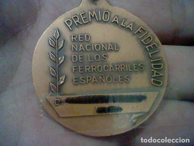 Medallas temáticas: RENFE PREMIO FIDELIDAD MEDALLA CINTA VERDE RED FERROCARRILES TONO COBRE - Foto 5 - 155361506