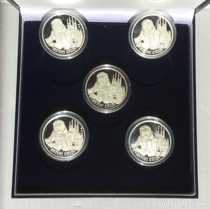 Medallas temáticas: COLECCIÓN GAUDí - 5 MEDALLAS DE PLATA 999/000 - Foto 3 - 157229526