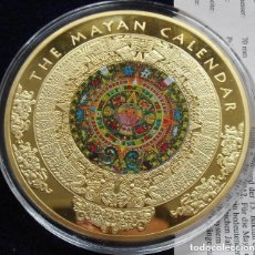 Medallas temáticas: MUY BONITA MONEDA MEDALLON XXL DEL CALENDARIO MAYA ORO Y APLICACIONES DE TINTA DE TAMAÑO GRANDE. Lote 174236893