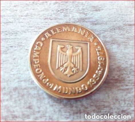 Medallas temáticas: España 82 copa del mundo R.F.E.F -Alemania campeón del mundo 1954,1974 y sub.1982 - (cobre) - Foto 2 - 165110806