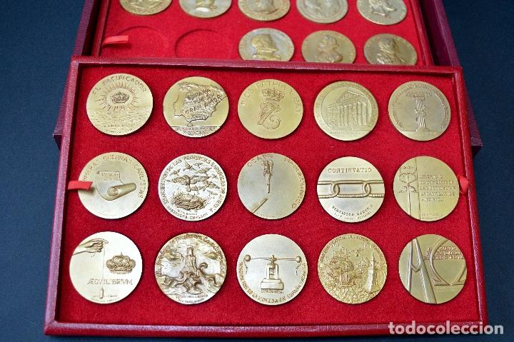 Medallas temáticas: 23 MEDALLAS REYES DE ESPAÑA COLECCION CALICO CON MONETARIO - Foto 4 - 166576402
