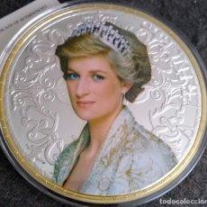 Medallas temáticas: GRAN MEDALLON XXXL DE LADY DI PRINCESA DE GALES Y DEL PUEBLO CON PLATA ORO Y ACABADO EN DIAMANTE. Lote 227219920