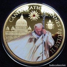 Medallas temáticas: BONITA MONEDA XXL 70 MM CONMEMORATIVA A LA CANONIZACION DEL PAPA JUAN PABLO II CIUDAD DEL VATICANO. Lote 169780885
