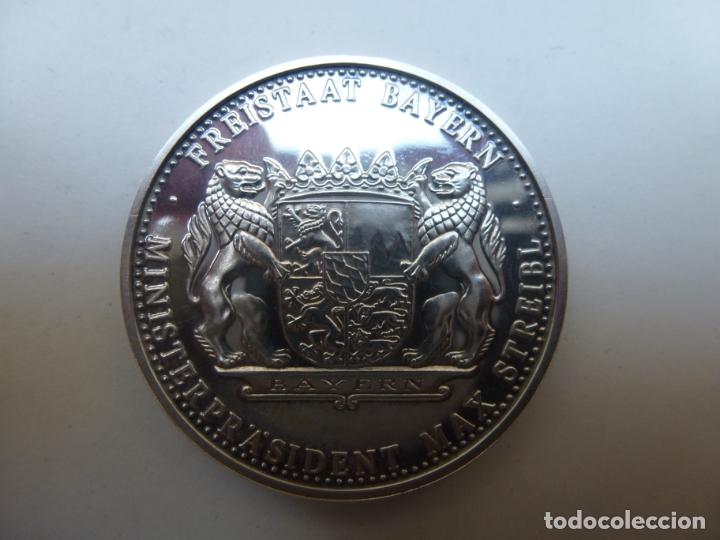 Medallas temáticas: MEDALLA DE PLATA PATRONA BAVARIA. 1968 - Foto 2 - 174295995