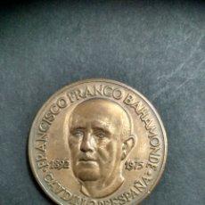 Medallas temáticas: MEDALLA DE BRONCE - FRANCISCO FRANCO BAHAMONDE - CAUDILLO DE ESPAÑA - 1892-1975. Lote 177020572