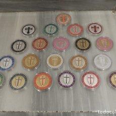 Medallas temáticas: LOTE 20 MONEDAS CABALLEROS TEMPLARIOS - COLOREADAS - ESCUDOS - PLATA . Lote 179115953