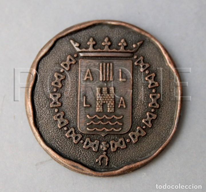 Medallas temáticas: INAUGURACIÓN SEDE CENTRAL BANCO DE ALICANTE - 1972 - - Foto 2 - 179557110