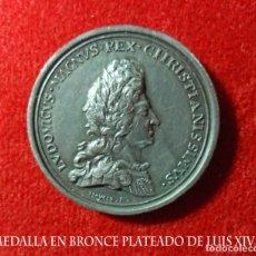 Medallas temáticas: IMPRESIONANTE, MEDALLA EN BRONCE PLATEADO DE LUIS XIV DE FRANCIA 1692 LLAMADO REY DEL SOL.. Lote 180123943