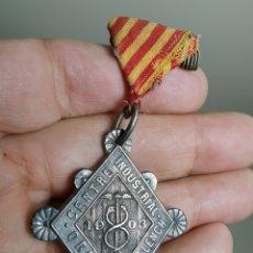 Medallas temáticas: RARA MEDALLA PLATA DE LEY CENTRE INDUSTRIAL ORFEO VENDRELLENCH- EL VENDRELL 1903- REF-ZZ. Lote 181072065