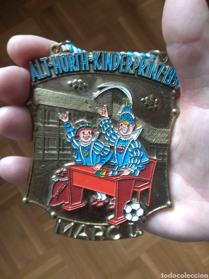 GRAN MEDALLA ESMALTADA VINTAGE. DE LA FERIA DE LA CERVEZA EN 1991 (Numismática - Medallería - Temática)