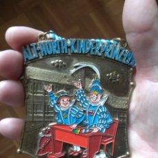 Medallas temáticas: GRAN MEDALLA ESMALTADA VINTAGE. DE LA FERIA DE LA CERVEZA EN 1991. Lote 182161236