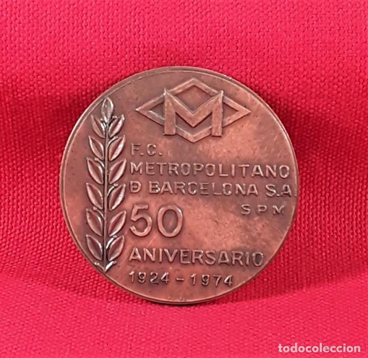 Medallas temáticas: MEDALLA EN BRONCE. 50 ANIVERSARIO 1924-1974. F.C. METROPOLITANO. BARCELONA S.A. - Foto 2 - 183774396