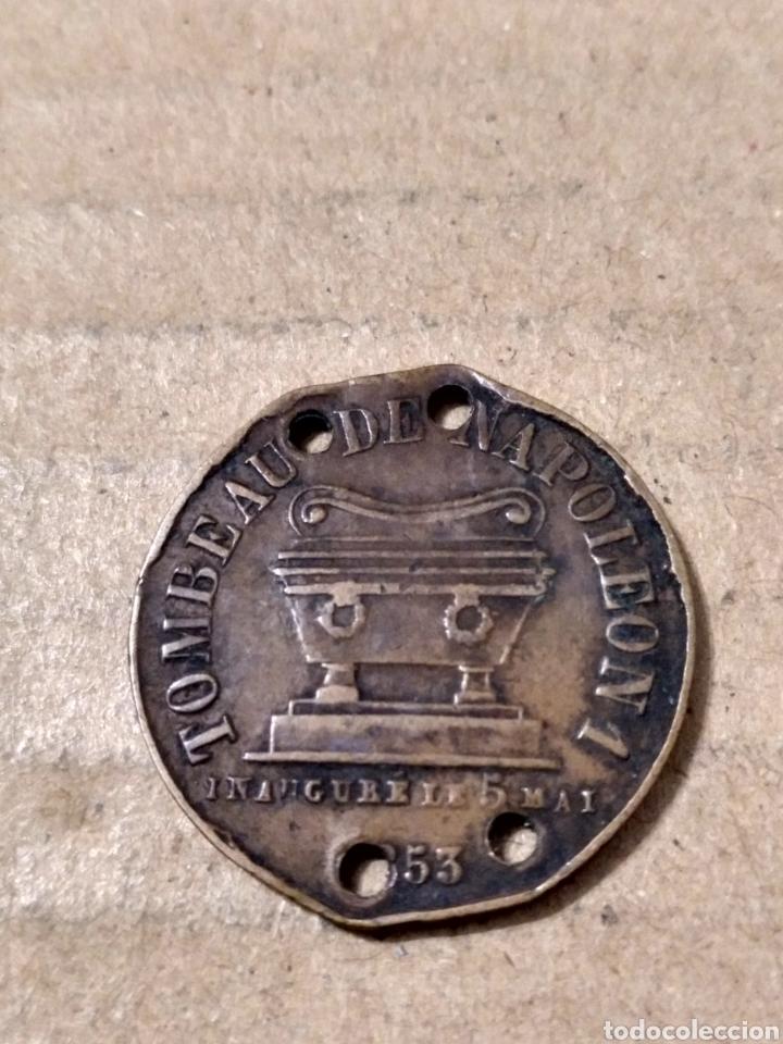 Medallas temáticas: MEDALLA TUMBA DE NAPOLEÓN I 1853 AGUJEROS 23 MM. - Foto 2 - 183813632