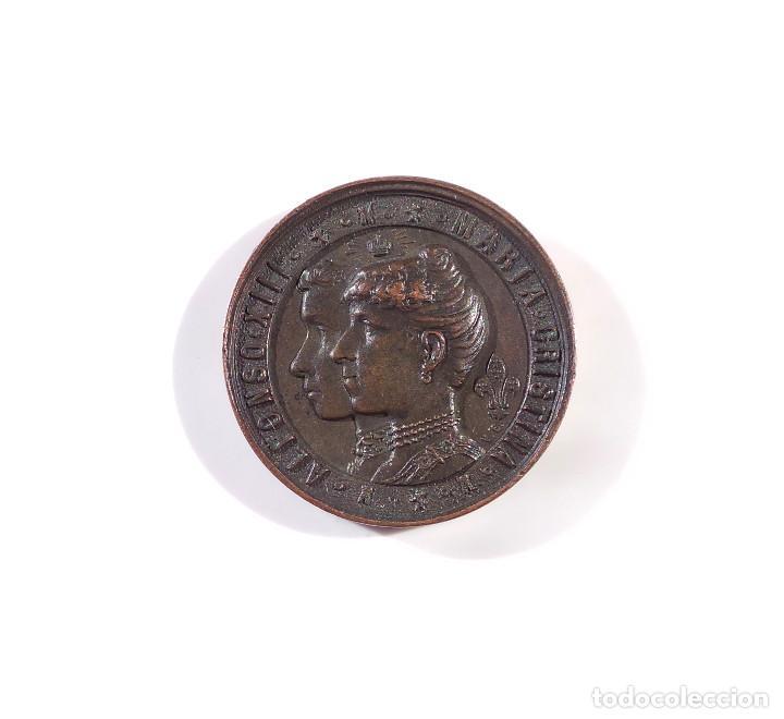 ALFONSO XIII - MARIA CRISTINA - TERMINA LA REGENCIA 17 DE MAYO DE 1902 - JURA EL REY LA CONSTITUCIÓN (Numismática - Medallería - Temática)