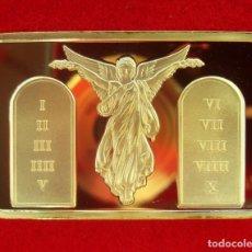 Médailles thématiques: LINGOTE ORO LAMINADO JESÚS CRUCIFICADO ACOMPAÑADO DE ÁNGELES Y LA TABLA DE LOS 10 MANDAMIENTOS. Lote 191507437
